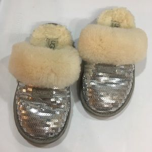 UGG Cozy Metallic Sequence Sz 13 in Silver